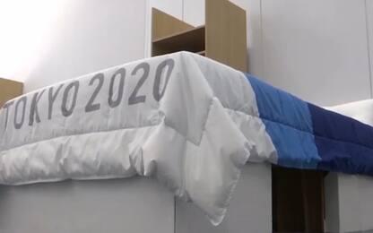Tokyo 2020, letti di cartone per gli atleti. VIDEO