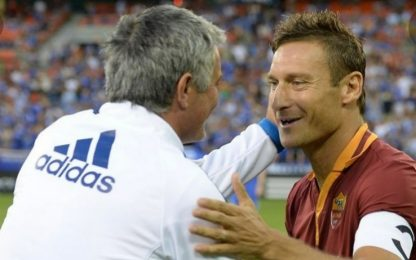 """Totti: """"Mou il più forte"""". E lui risponde"""