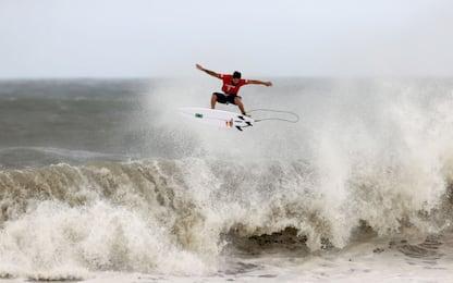 Surf, primo storico oro nella tempesta