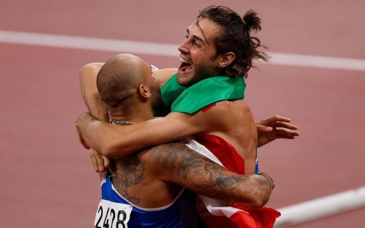 Jacobs Tamberi abbraccio