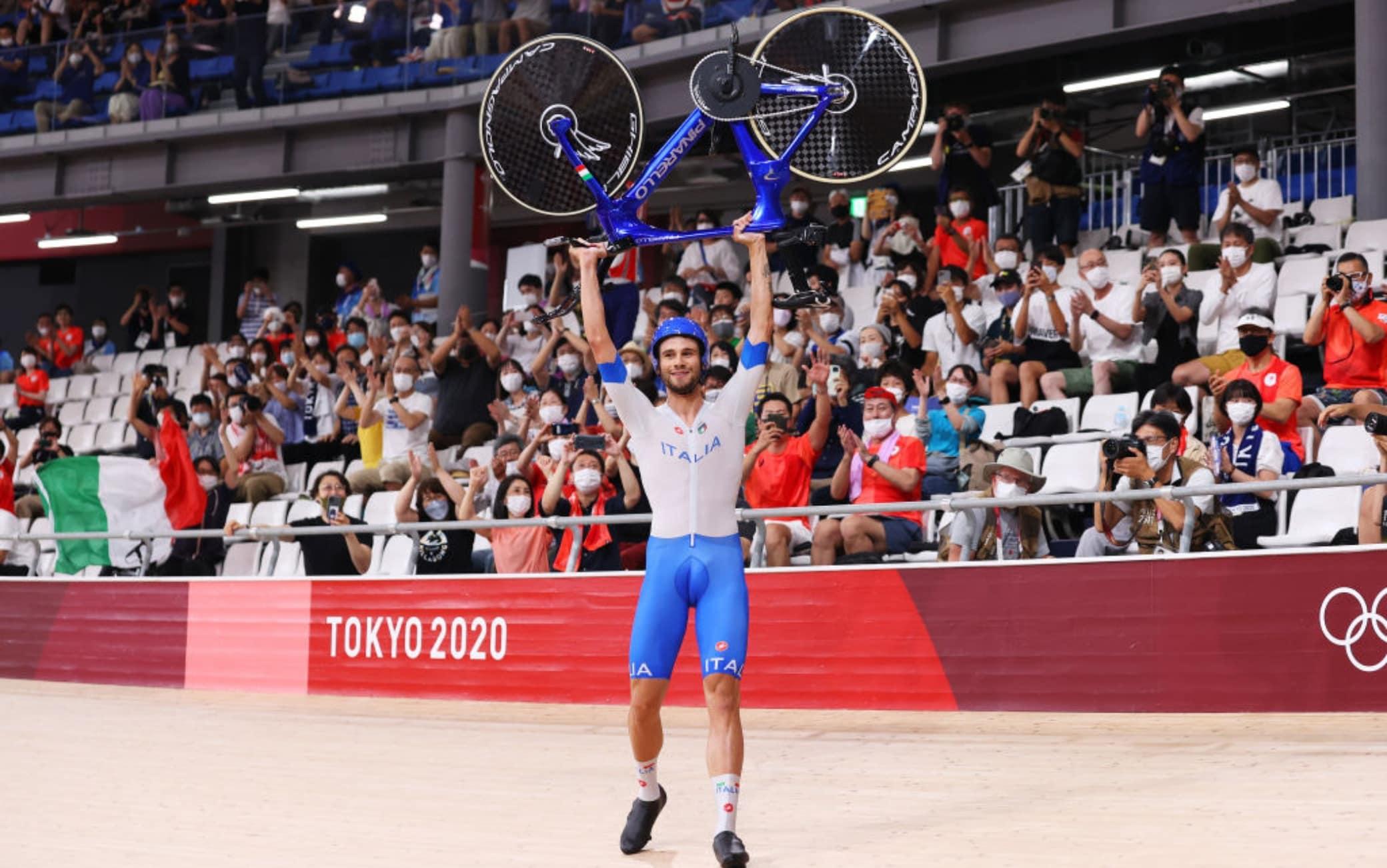 Olimpiadi, ciclismo su pista: Italia oro nell'inseguimento a squadre a Tokyo  2020   Sky Sport