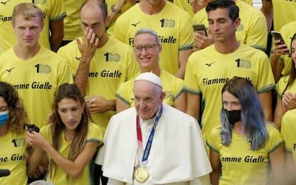 Il Papa incontra gli olimpici delle Fiamme Gialle