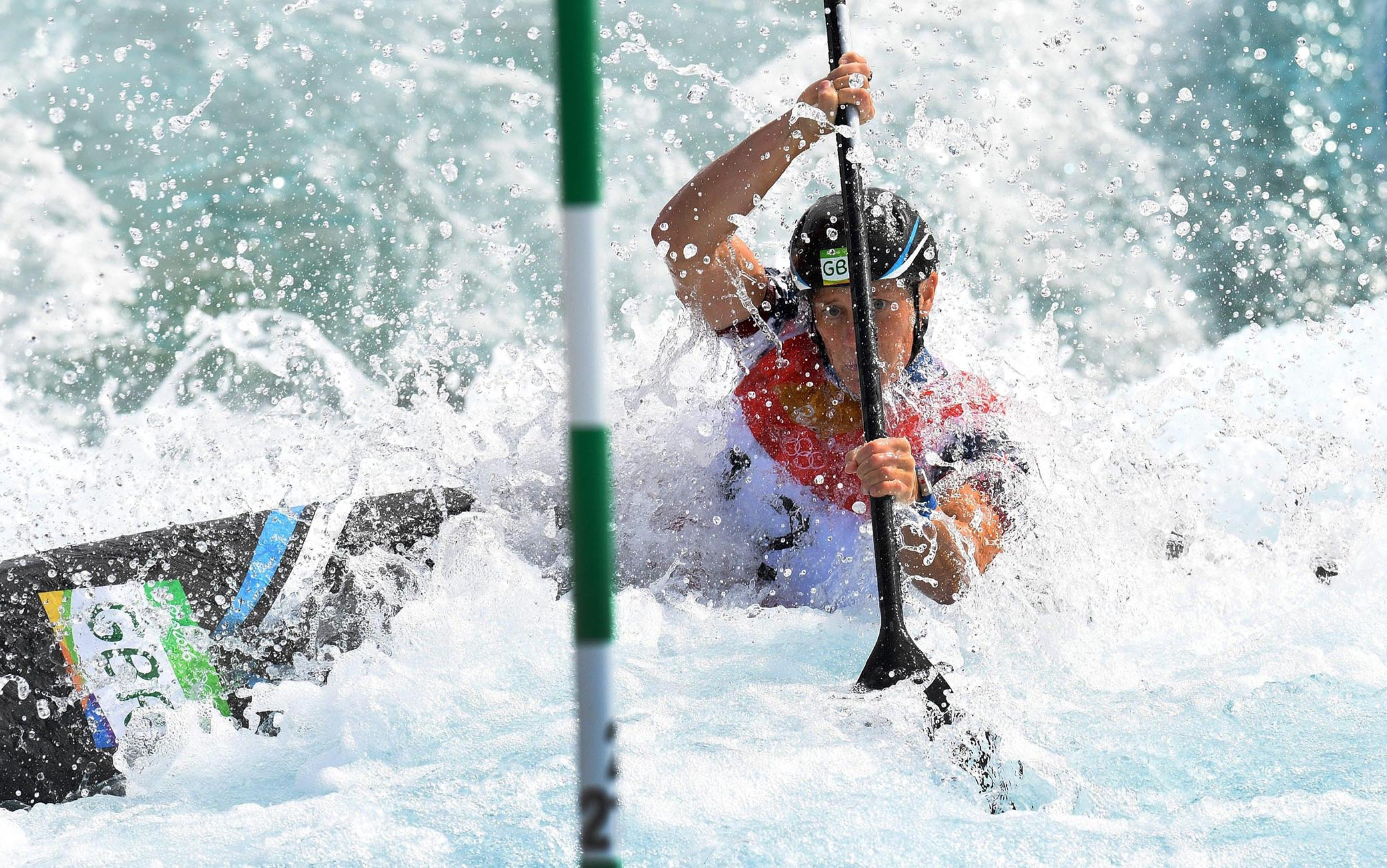epa05475756 Fiona Pennie of Great Britain competes during the women's Kayak Single (K1) semifinal race of the Rio 2016 Olympic Games Canoe Slalom events at the Whitewater Stadium in Rio de Janeiro, Brazil, 11 August 2016.  EPA/DEAN LEWINS AUSTRALIA AND NEW ZEALAND OUT