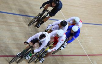 epa05491006 Joachim Eilers (front) of Germany in action during the men's Keirin second round of the Rio 2016 Olympic Games Track Cycling events at the Rio Olympic Velodrome in the Olympic Park in Rio de Janeiro, Brazil, 16 August 2016.  EPA/ALEJANDRO ERNESTO
