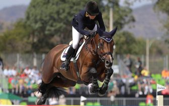 epa05499946 Edwina Tops-Alexander of Australia riding Lintea Tequila  performs during the Jumping Individual Final competition of the Rio 2016 Olympic Games Equestrian events at the Olympic Equestrian Centre in Rio de Janeiro, Brazil, 19 August 2016.  EPA/ARMANDO BABANI