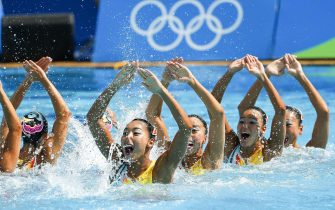 epa05499508 Team Japan performs while finishing third in the women's Team Free Synchronised Swimming competition of the Rio 2016 Olympic Games Synchronised Swimming events at the Maria Lenk Aquatics Centre in the Olympic Park in Rio de Janeiro, Brazil, 19  August 2016.  EPA/PATRICK B. KRAEMER