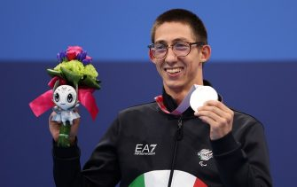 TOKYO, JAPAN - AUGUST 31: Alberto Amodeo of Team Italy celebrates with the silver medal during the medal ceremony for the Men's 400m Freestyle - S8 Final on day 7 of the Tokyo 2020 Paralympic Games at Tokyo Aquatics Centre on August 31, 2021 in Tokyo, Japan. (Photo by Lintao Zhang/Getty Images)