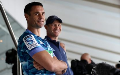 Dan Carter torna in Nuova Zelanda: va ai Blues