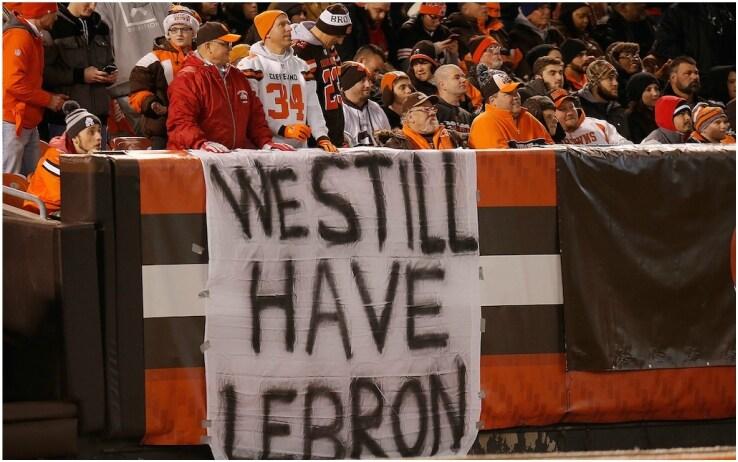 0-16, il bilancio dei Cleveland Brown 2017. I tifosi si consolavano col basket...