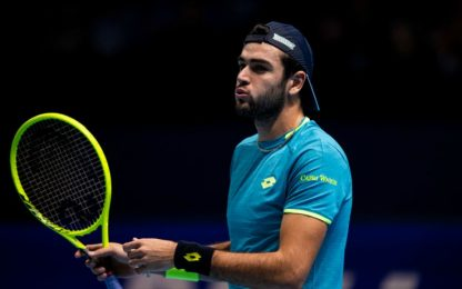 Berrettini ko anche con Federer, out dalle Finals