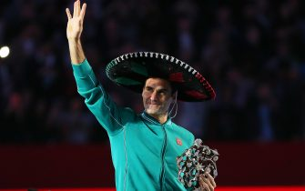 MEXICO CITY, MEXICO - NOVEMBER 23: Roger Federer greets during 'The Greatest Match' between Roger Federer and Alexander Zverev at Plaza Mexico on November 23, 2019 in Mexico City, Mexico. (Photo by Angel Castillo/Jam Media/Getty Images)