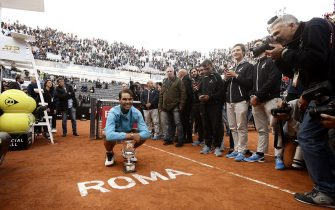 Rafael Nadal of Spain poses for photographers after winning against Novak Djokovic of Serbia during their ATP Masters tournament final tennis match at the Foro Italico in Rome on May 19, 2019. (Photo by Filippo MONTEFORTE / AFP)        (Photo credit should read FILIPPO MONTEFORTE/AFP via Getty Images)