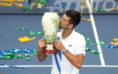 Djokovic vince Cincinnati: battuto Raonic in 3 set