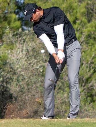 epa08772749 Spanish tennis player Rafael Nadal competes in Balearic Golf Championship at Maioris golf club in Llucmajor, Majorca island, eastern Spain, 25 October 2020.  EPA/CATI CLADERA