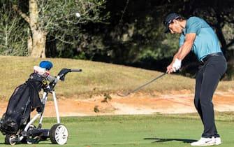 epa08769640 Spanish tennis player Rafael Nadal competes in Balearic Golf Championship at Maioris golf club in Llucmajor, Majorca island, eastern Spain, 24 October 2020.  EPA/CATI CLADERA