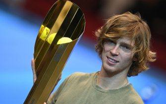 epa08791142 Andrey Rublev of Russia poses with his trophy after winning his final match against Lorenzo Sonego of Italy at the Erste Bank Open ATP tennis tournament in Vienna, Austria, 01 November 2020.  EPA/CHRISTIAN BRUNA