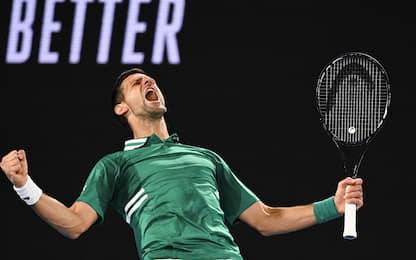 Djokovic in semifinale: battuto Zverev in 4 set