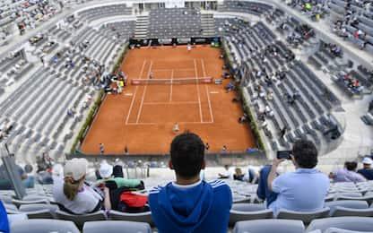 Sonego-Djokovic non prima delle 18.30 su Sky