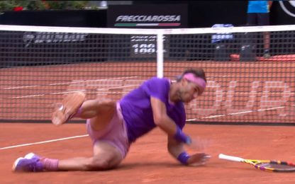 Nadal, che spavento! Brutta caduta con Zverev