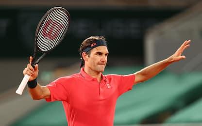 Federer, che battaglia! Ora ottavi con Berrettini