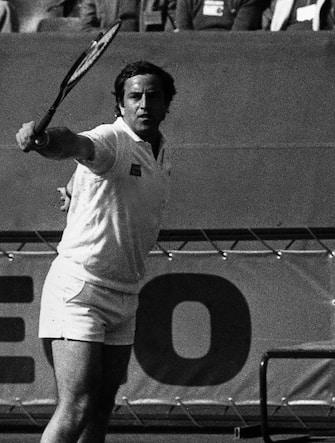 ©lapresse archivio storico sport tennis anni '70 Coppa Davis nella foto: Adriano Panatta e Paolo Bertolucci durante una partita di Coppa Davis BUSTA 3131