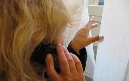 Truffe: finti sms banca su accesso conto, via 12mila euro