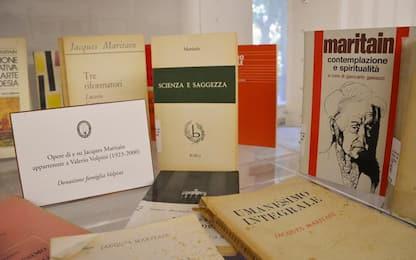 A Biblioteca Consiglio Marche Fondo Maritain di 2.200 volumi