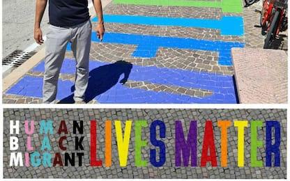 Scritta 'Black Lives Matter' su lungomare Pesaro