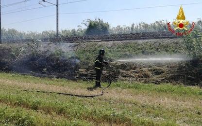 Incendio sterpi a Osimo,interrotto e ripreso passaggio treni