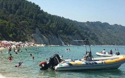 Fase 3: pienone a Portonovo, spiagge affollate senza I beach