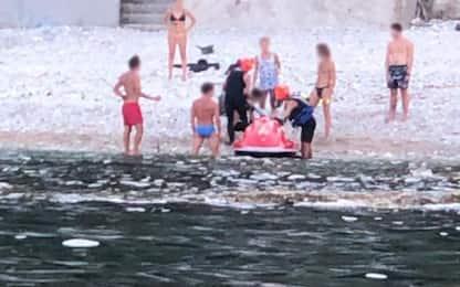 Bagnante ferito ad Ancona, in idroambulanza a Numana