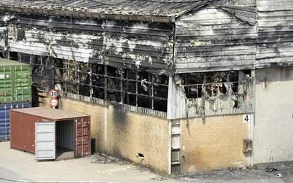Rogo porto Ancona: fiamme spente, cominciato smassamento