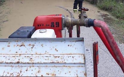 Maltempo: bloccata in auto in sottopasso allagato a Jesi
