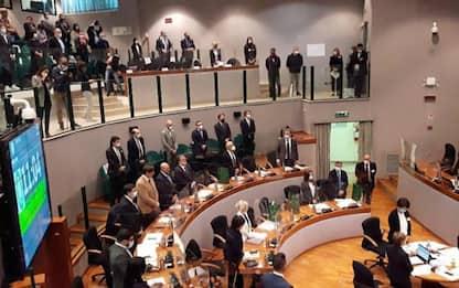 Santelli: un minuto silenzio prima seduta Consiglio Marche