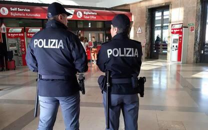 In stazione Ancona Polfer ritrova minore scappata di casa