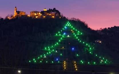 Covid: 434 metri 'albero' Natale luminoso a Castelbellino