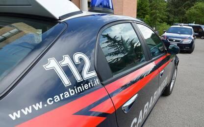 Auto investe e uccide pedone: conducente si è costituito a Cc