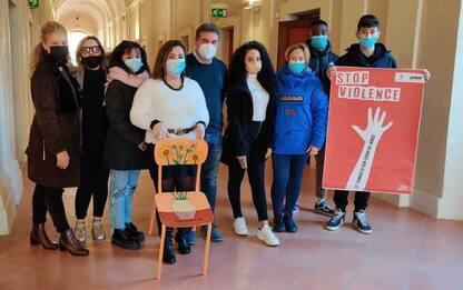 Violenza donne: manifesti a Fano,femminicidio come genocidio
