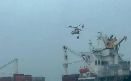 Malore su nave, marittimo soccorso da Guardia costiera e 118