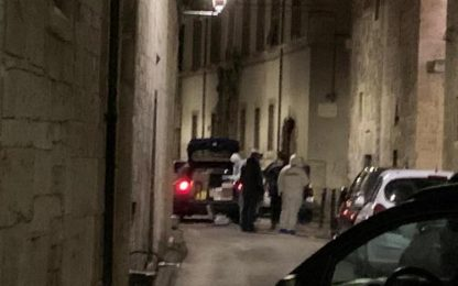 Accoltellato a Ascoli: arrestato l'uomo interrogato nella notte