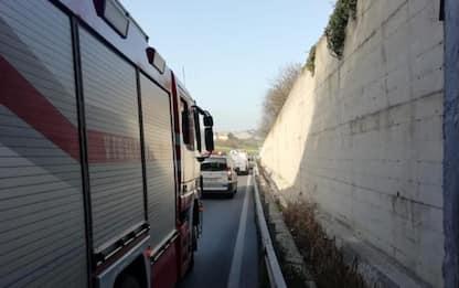Incidente stradale fra tre auto su SS16 a Ancona