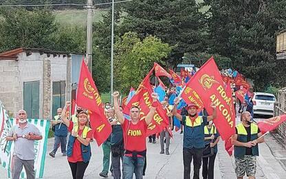 Elica: operai sciopero a Mergo e Cerreto, occupata la Ss 76