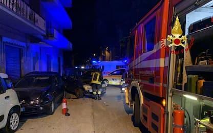 Albero cade su auto in sosta a Montemarciano, nessun ferito