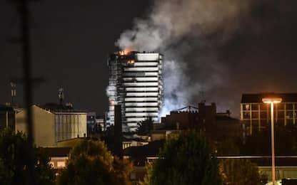 Incendio a Milano: nuove perquisizioni in ditte pannelli