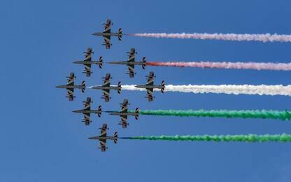 Fase 2: Unità e ripresa, Frecce tricolori sorvolano Aosta