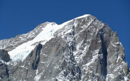Giovane alpinista muore cadendo su Grandes Jorasses