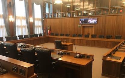 Quarantena per 8 consiglieri,Consiglio Vda in modalità mista
