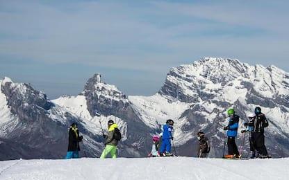 Svizzera: valanga travolge dieci sciatori, un morto e un ferito