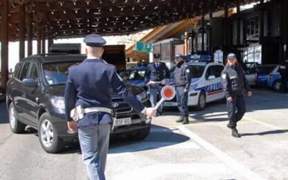 Trasportavano merce per oltre 6.500 euro, denunciati