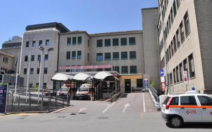 Covid, ancora 500 operatori ospedale Parini non vaccinati